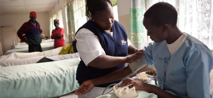 Governors, gov't differ over ongoing health crisis