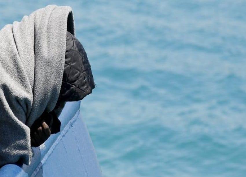 Hundreds dead as boat capsizes