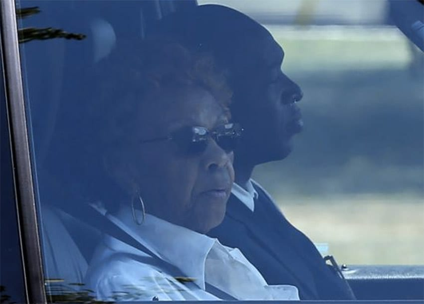 Cissy Houston, the mother of late singer Whitney Houston, rides in a vehicle as she leaves the Fairview Cemetery in Westfield, New Jersey, where her granddaughter Bobbi Kristina's burial service took place, August 3, 2015. REUTERS/MIKE SEGAR