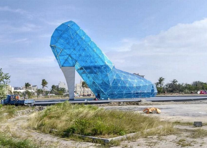 Giant glass church in shape of shoe to open in Taiwan