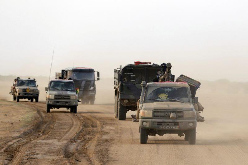 20 people dead as Mali fighting threatens peace deal