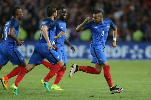 Giroud jeered as France beat Cameroon