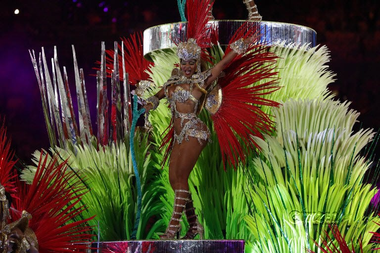 Izabel Goulart performs during the closing ceremony of the Rio 2016 Olympic Games at the Maracana stadium in Rio de Janeiro on August 21, 2016.  Odd ANDERSEN / AFP