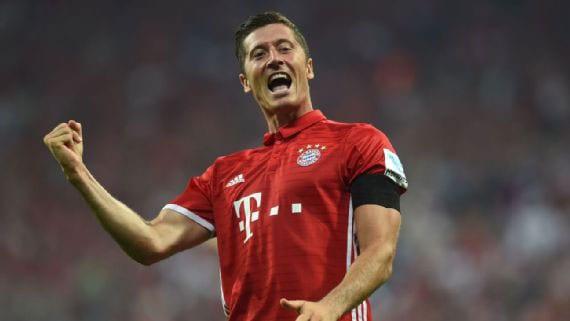Lewandowski hat-trick as Bayern rout Bremen in season opener