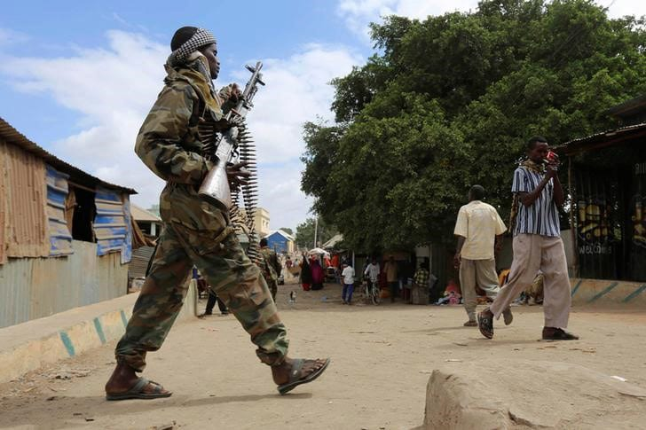 Bomb kills four Somali soldiers as forces mull attack on Islamic State