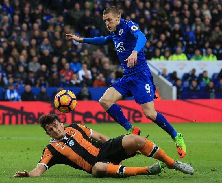 Leicester thriving without Ranieri as Mahrez sinks Hull
