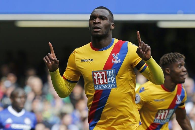 Palace's Zaha, Benteke stun Chelsea as Spurs close gap