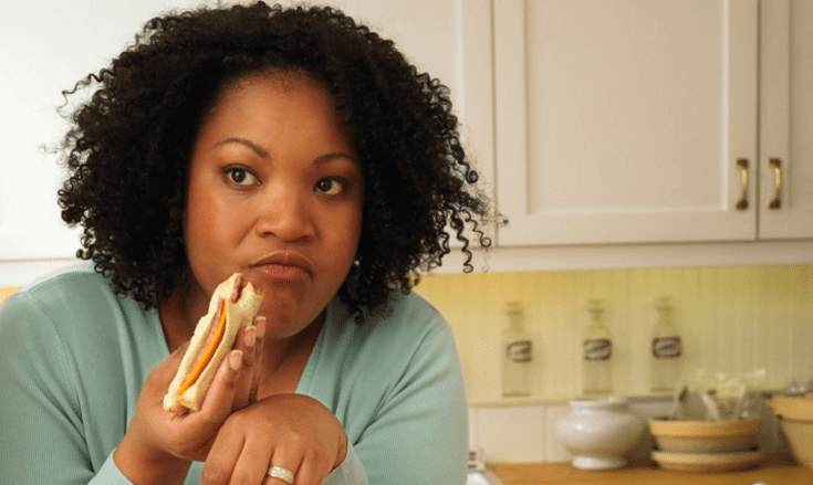 Weight loss 101: Should you eat three big meals or many mini-meals?