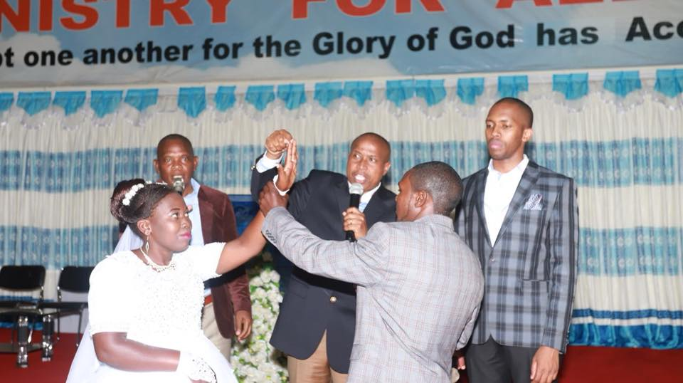 William Mwaura and Marion Kinya exchange vows.