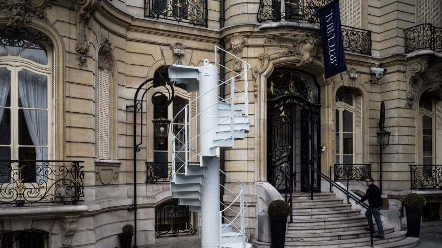 Original Eiffel Tower staircase goes on sale