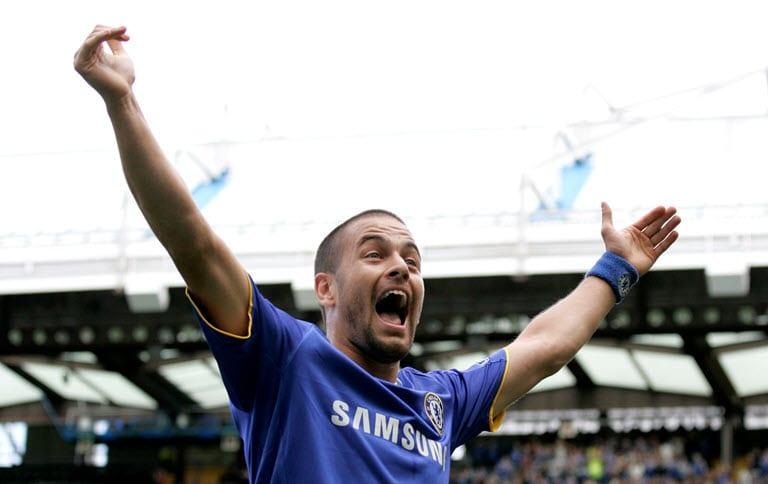 Former England and Chelsea midfielder Joe Cole retires