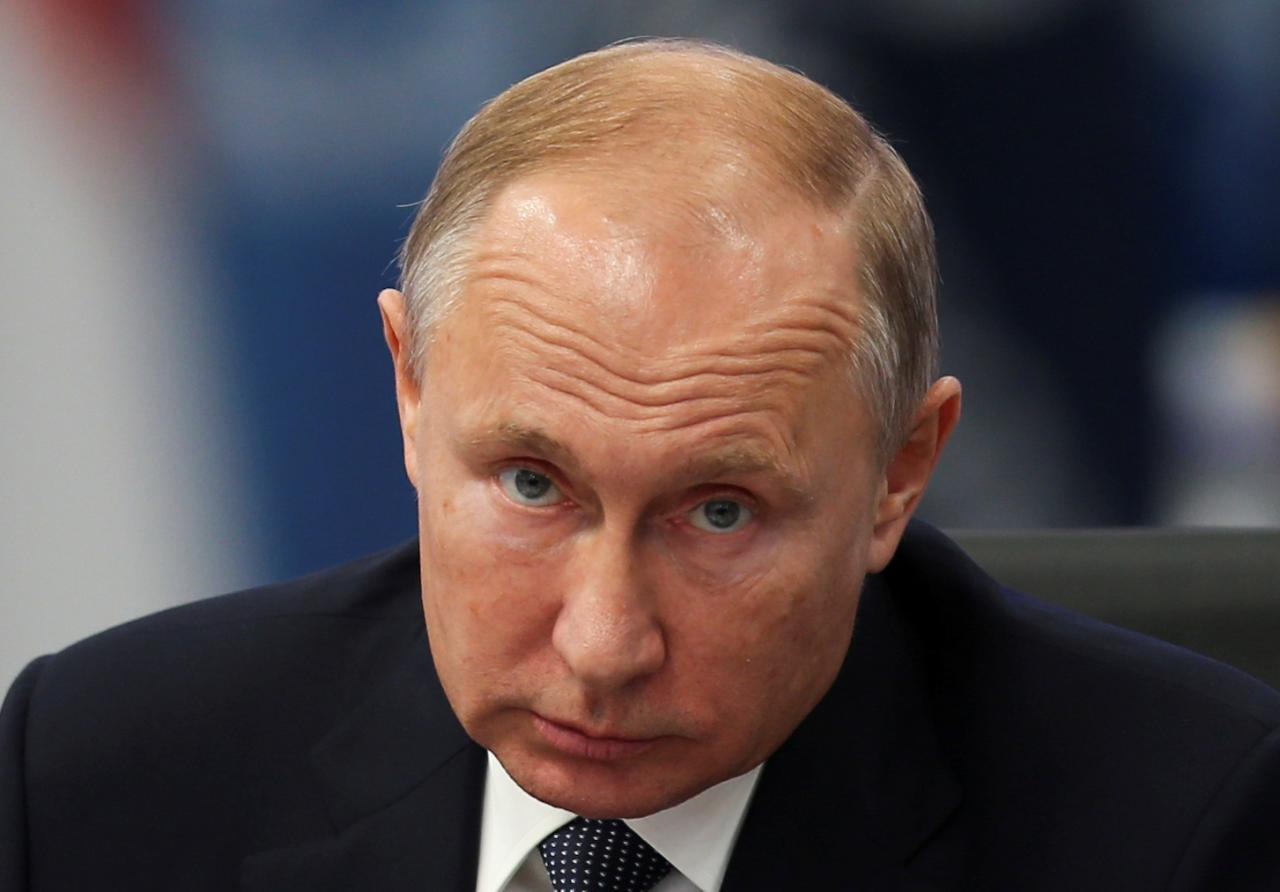 Russian government resigns after Putin proposes reforms that would weaken his successor