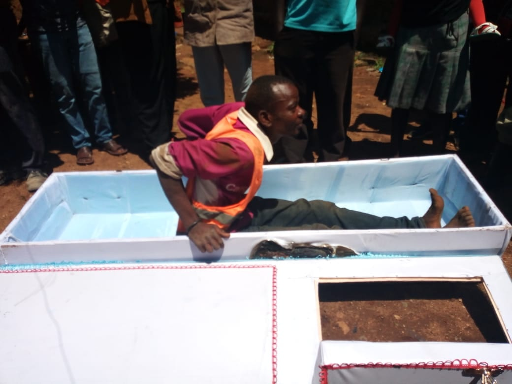 Drama as man threatens to commit suicide, buys own coffin in Migori