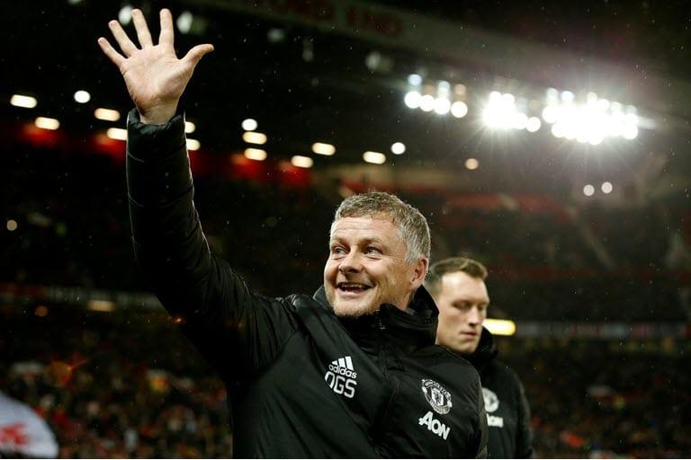 Solskjaer backs resurgent United to battle for top four