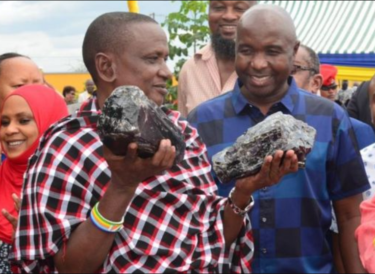 Tanzania pays local miner Ksh.350M after discovery of two tanzanite stones