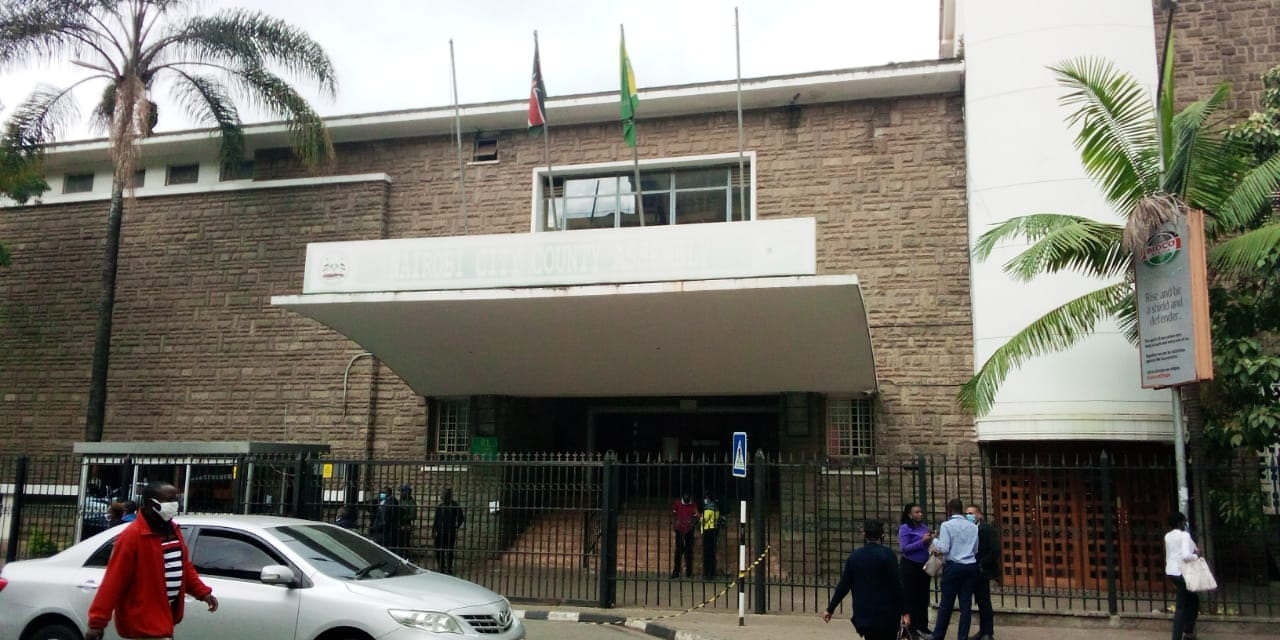 Speaker Elachi, 30 MCAs under siege as goons storm City Hall at night