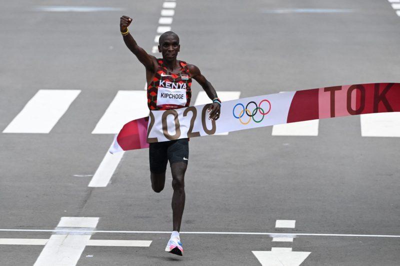 Marathon King Kipchoge defends Olympic title