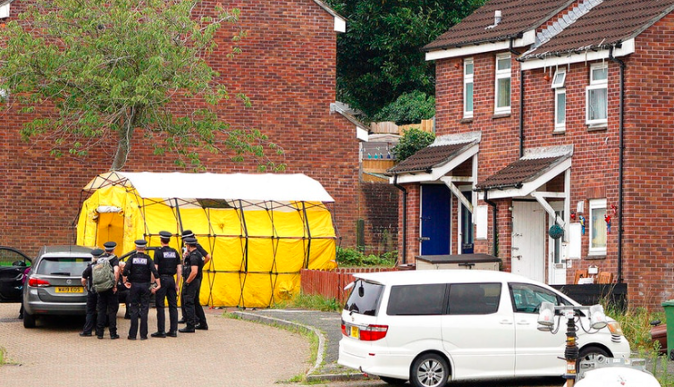 Man kills 5, himself in UK's first mass shooting in decade