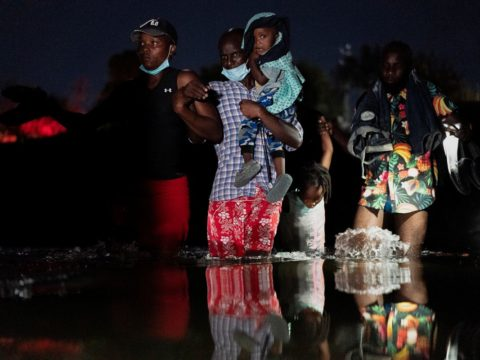 U.S. authorities accelerate removal of Haitians at US-Mexico border