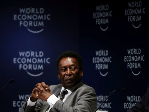 Pele in 'stable' condition after respiratory problems, hospital says