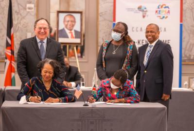 President Kenyatta witnesses signing of a Kenya-US private sector trade agreement