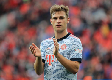 Bayern supports vaccination but not mandatory, amid Kimmich furore