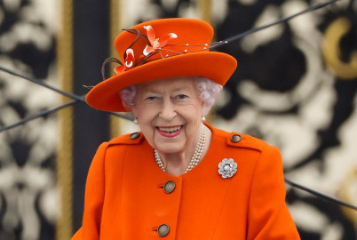UK's Queen Elizabeth pulls out of COP26 following advice to rest
